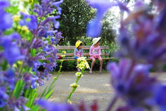 B - My girls in Walpole Park - by Tammy Nguyen