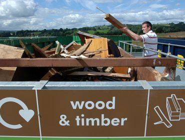 Disposing of wood at reuse and recycling centre