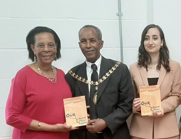 Mayor of Ealing with Descendants Founder