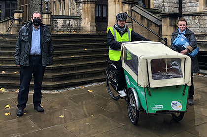 Council leader Julian Bell with cargo bike courier John Hernandez (from Cycling Instructor) and Helen Burton from local business Juniper