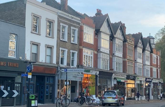 Shops on Ealing Green