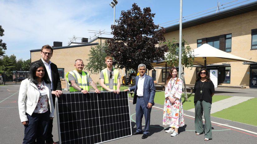 Mayor visits West Acton Primary School